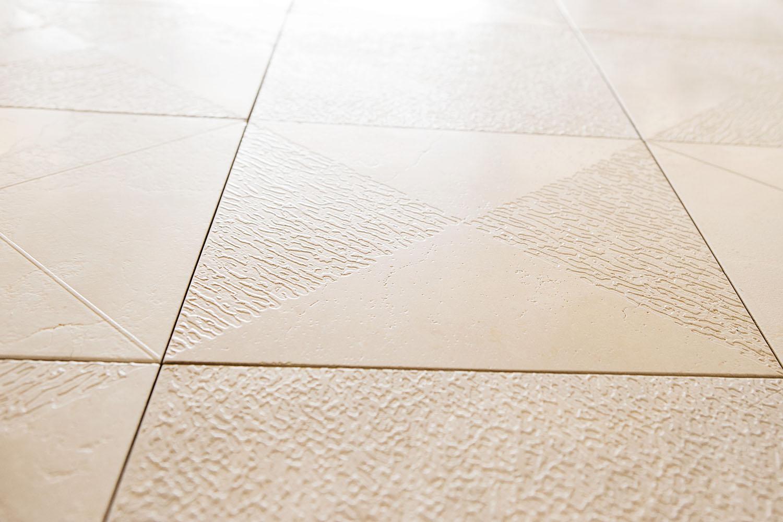 FC_6499 Triangular Square